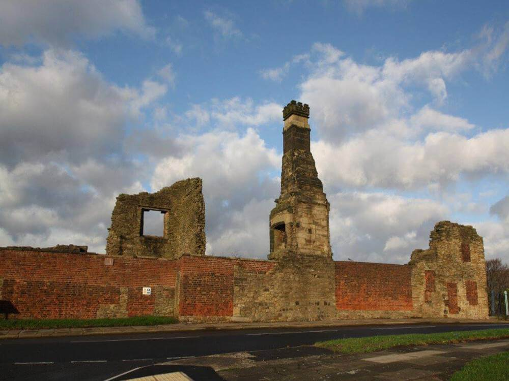 gleadless-estate-agent-manor-castle-ruins-thumbjpg-1